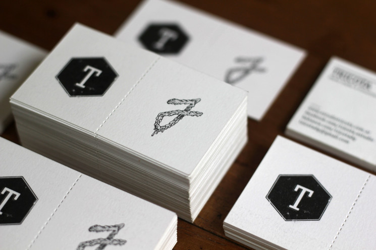 Tricota - die-cut business cards