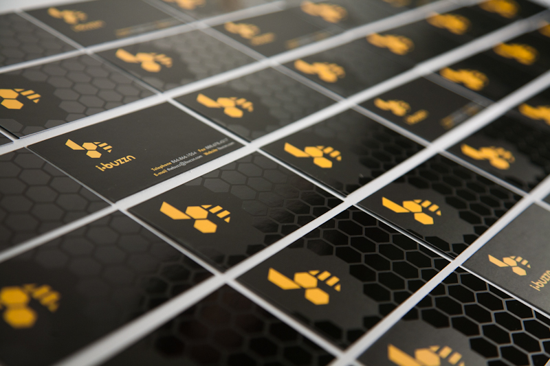 Ibuzzn - silk laminate business cards